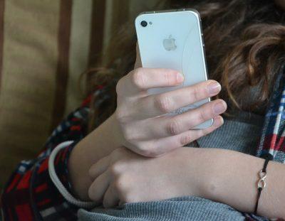 62% młodych internautów wykorzystuje social media jako źródło newsów